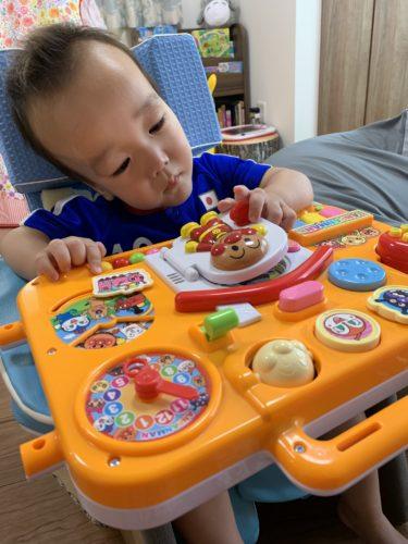 脳の発達は3歳まで!手や指を使うおもちゃで知的障害児の脳を育てたい